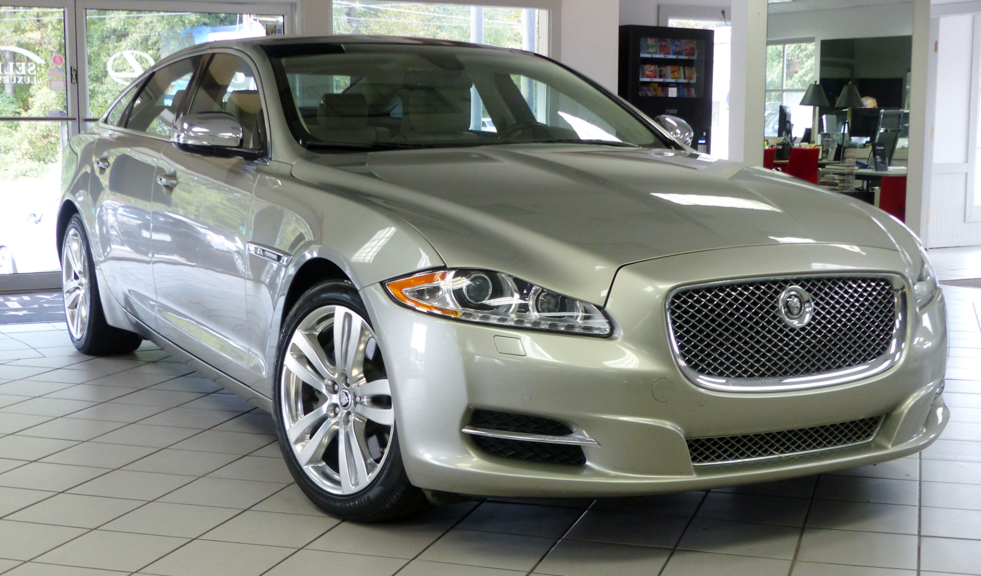 used 2012 jaguar xj xjl portfolio marietta ga. Black Bedroom Furniture Sets. Home Design Ideas