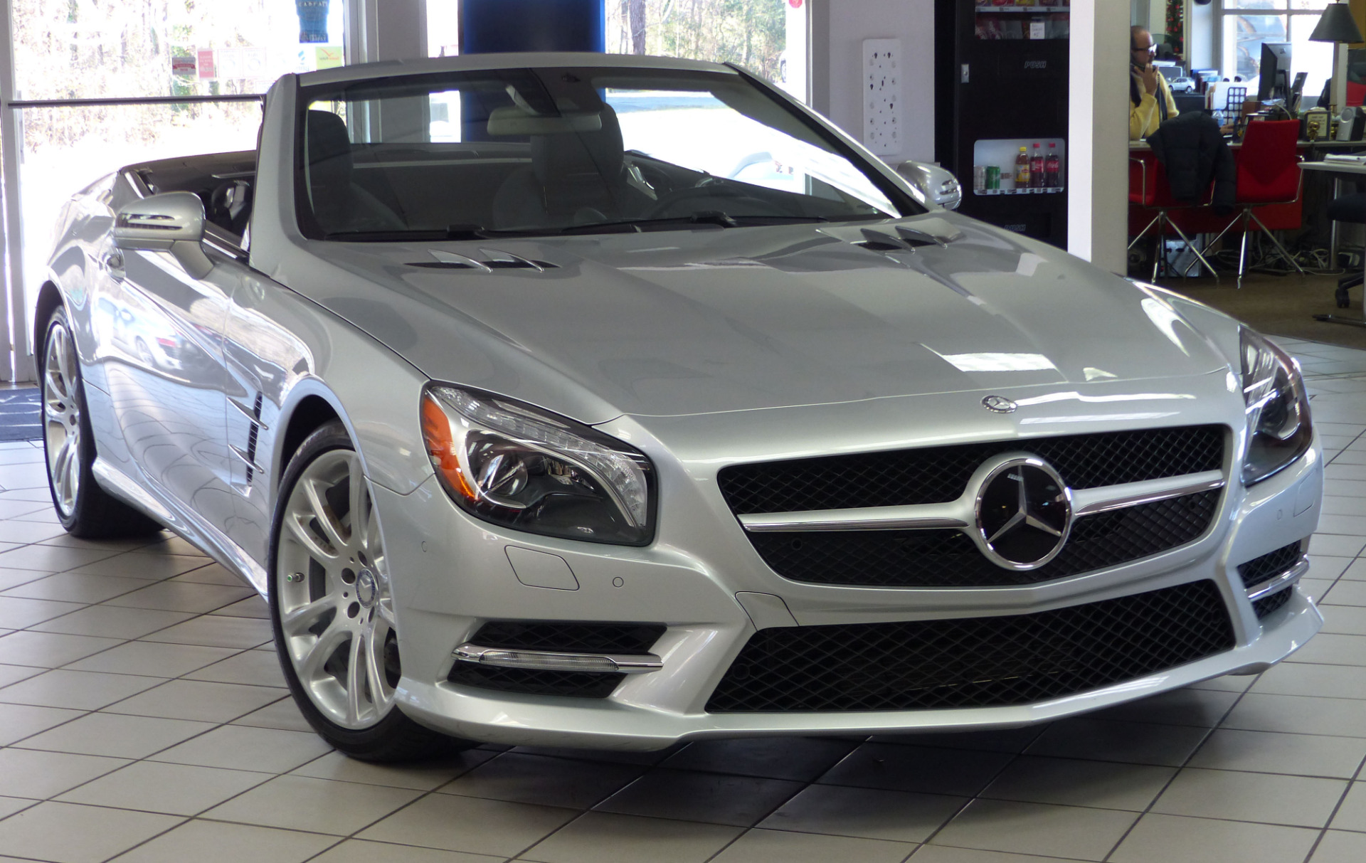 Used 2013 mercedes benz sl class sl550 cabriolet for Mercedes benz sl550 used