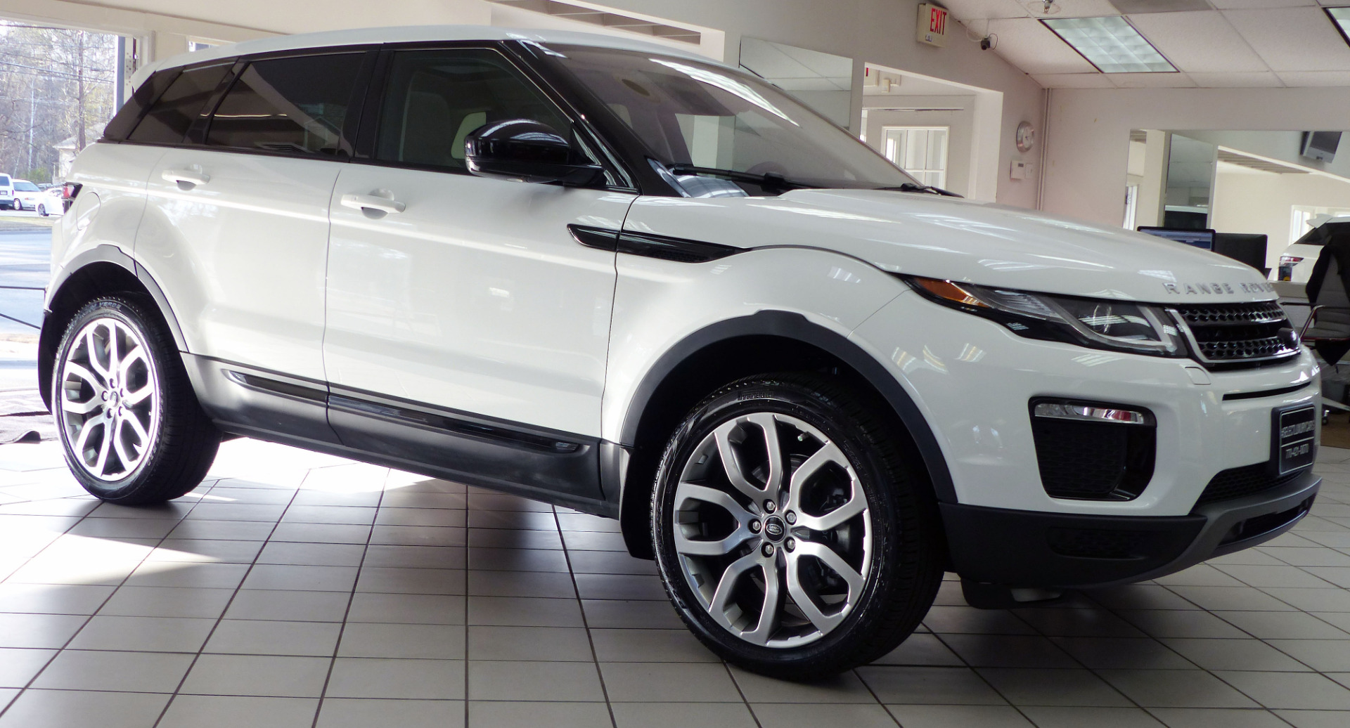 used 2016 land rover range rover evoque se premium marietta ga. Black Bedroom Furniture Sets. Home Design Ideas