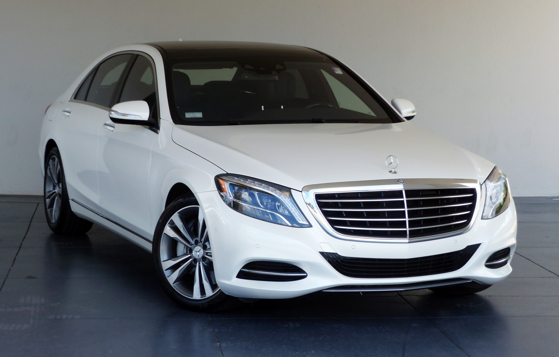 sedan luxury s class detail mercedes used benz