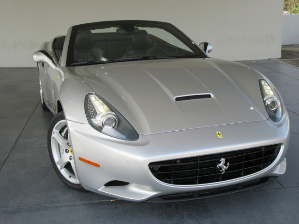 2010-Ferrari-California