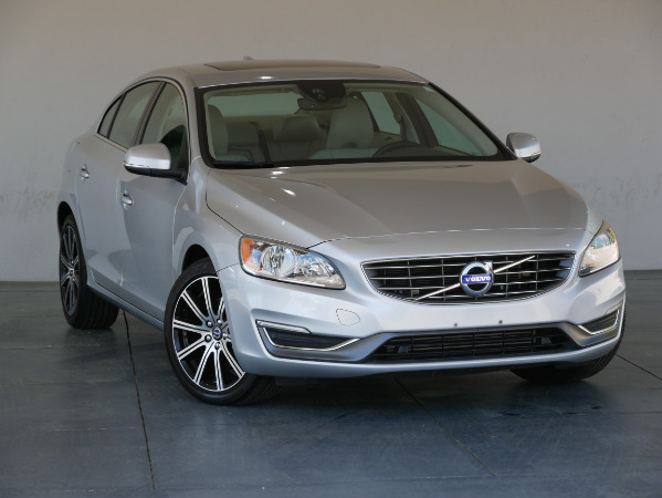 2016-Volvo-S60 Inscription
