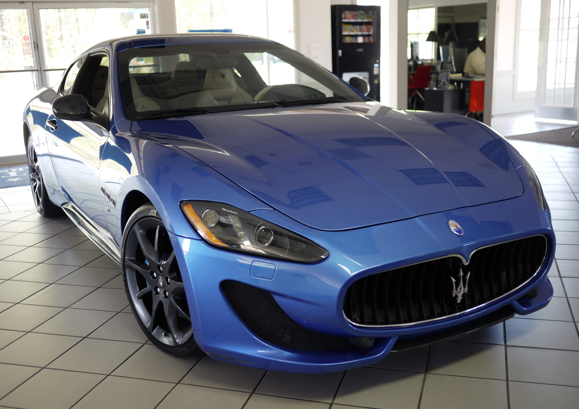 used 2013 maserati granturismo mc marietta ga. Black Bedroom Furniture Sets. Home Design Ideas